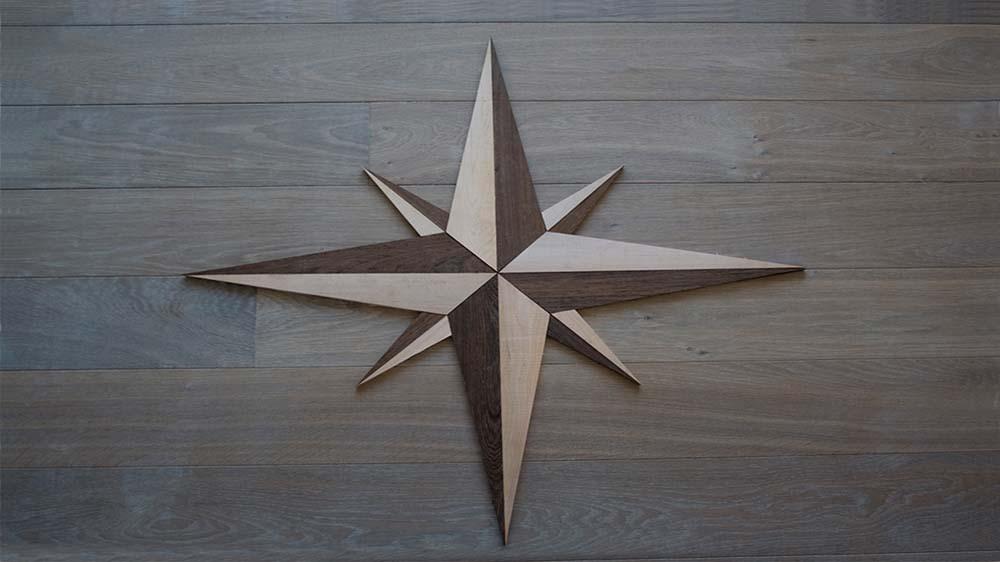 Ornamento in legno da esterno